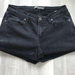 Black Levi shorts!